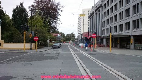 Fundada en 1850 y ubicada aproximadamente a 300 kilómetros al sur de la capital, Wellington, en la costa este de la Isla del Sur, siendo la ciudad más grande de esta.
