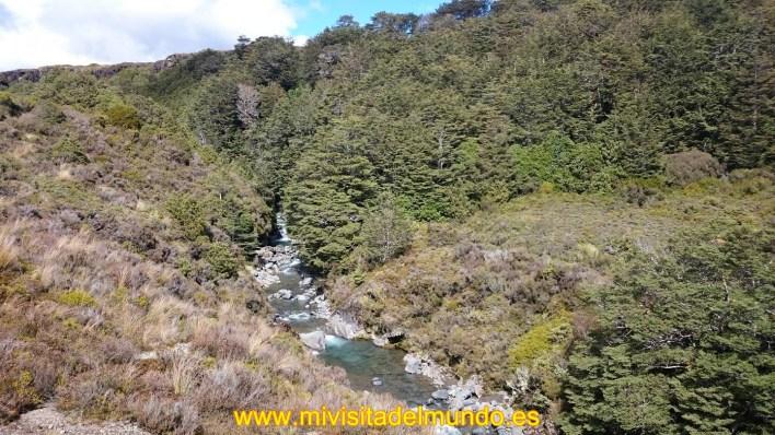 Ohakune es una pequeña ciudad en el Norte la Isla de Nueva Zelanda, 215 kilómetros situados al norte de Wellington y el sur de 292 kilómetros de Auckland.